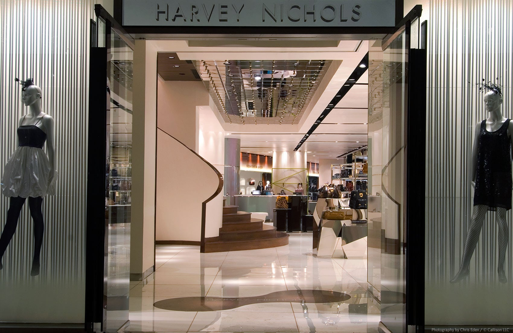 Harvey Nichols - Jakarta - Drawing the viewer in