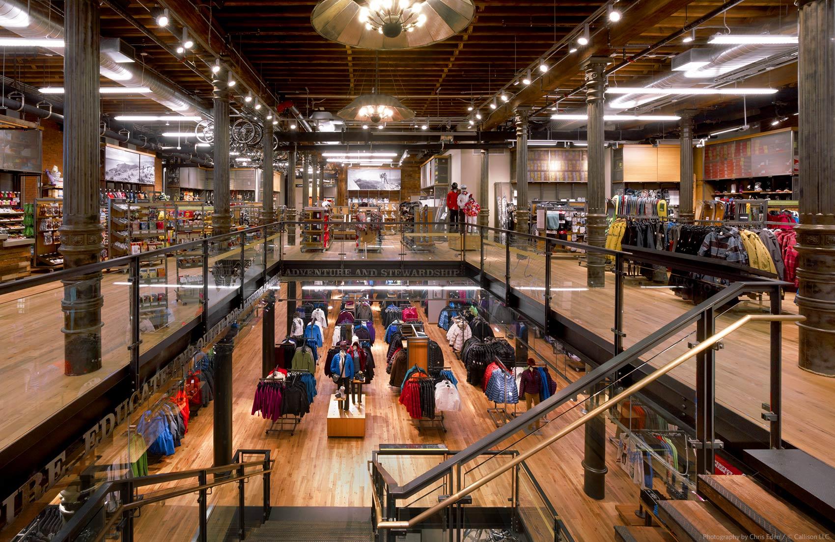 REI, Soho - NYC - Interior overall