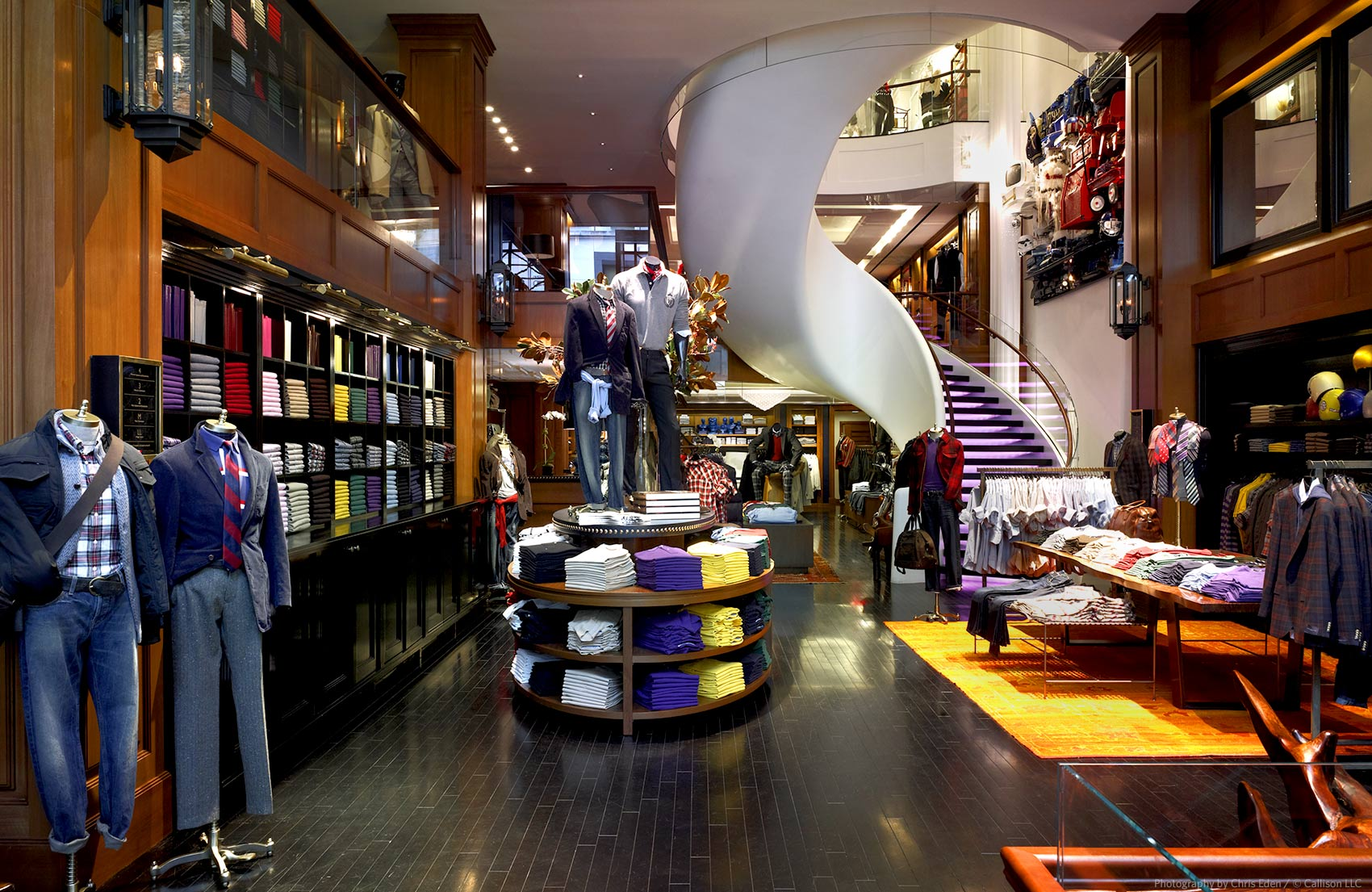 Tommy Hilfiger, Fifth Avenue, NYC - Interior