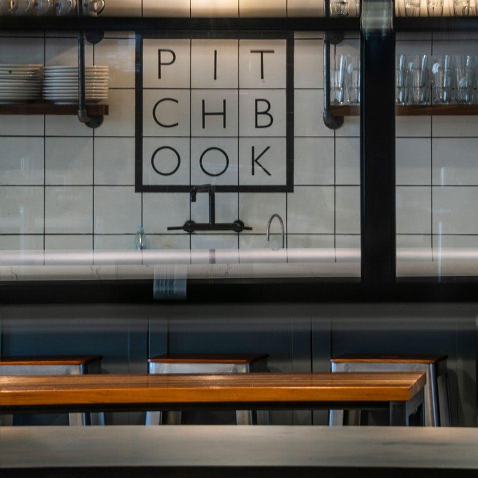 Pitchbook_06_col_sq_10